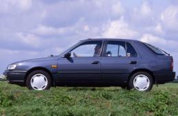 Nissan Sabre